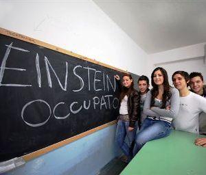 studenti a scuola occupata