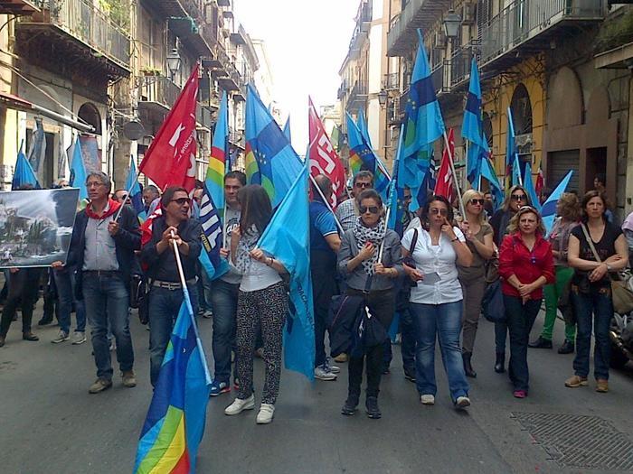 protesta dipendenti formazione a Palermo