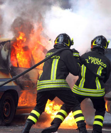 bagheria incendio auto